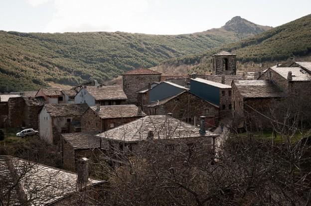 Ruta de los pueblos negros de guadalajara - Casa rural pueblos negros ...