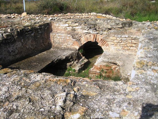 "Yacimiento romano ""Baños de la reina"""