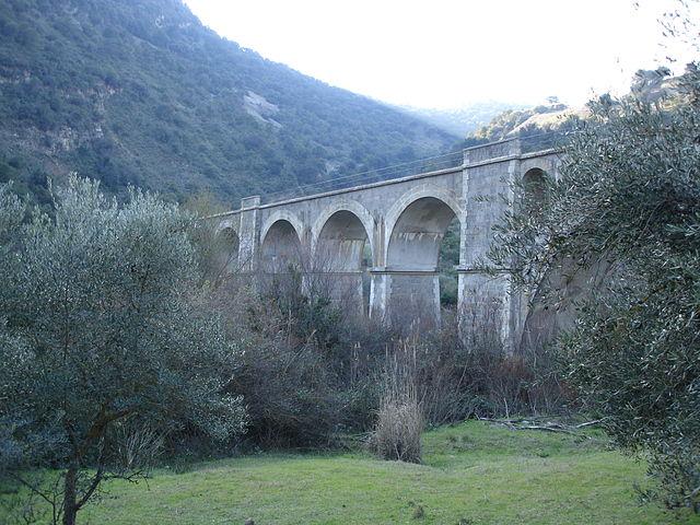 Viaducto sobre el Río Guadalporcún