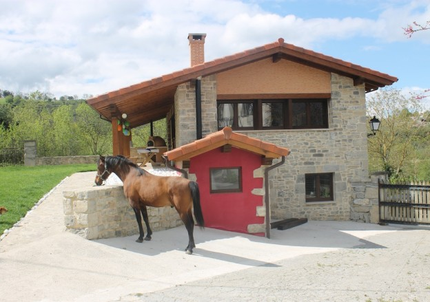 turismo-rural-con-mascota-equina