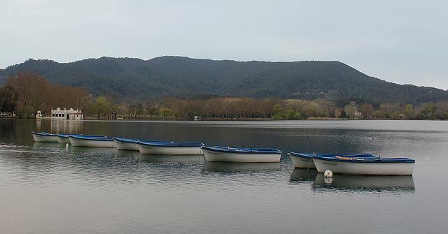 Paseo en barcas Lago Bañolas