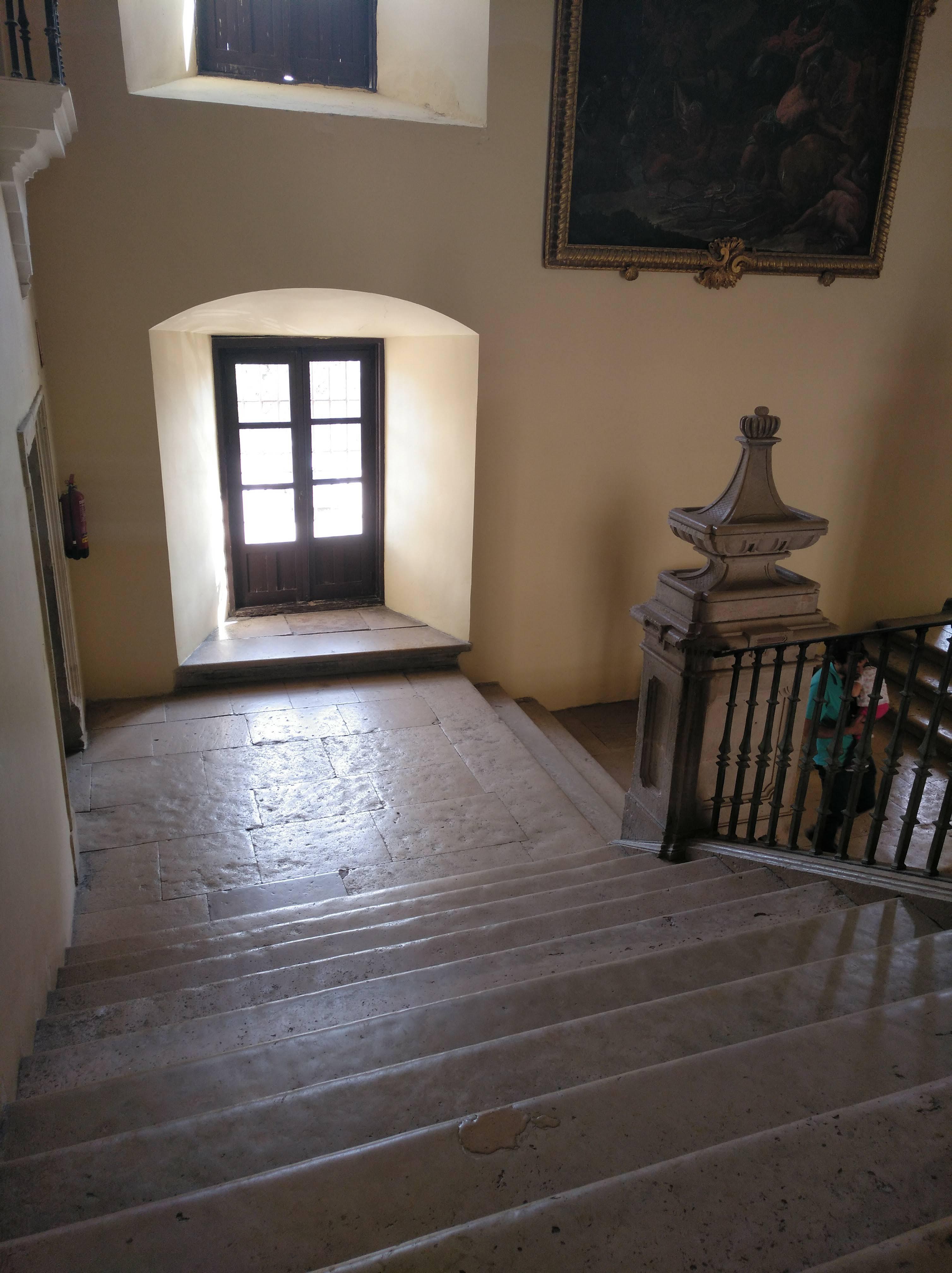 escaleras monasterio