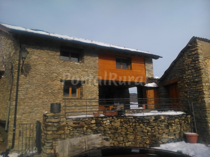 Casa rural xaux casa rural en sort lleida - Casa rural sort ...