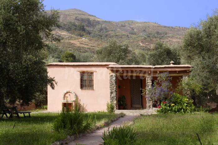 Cortijo la longuera casa rural en rgiva granada for La casa de granada en madrid