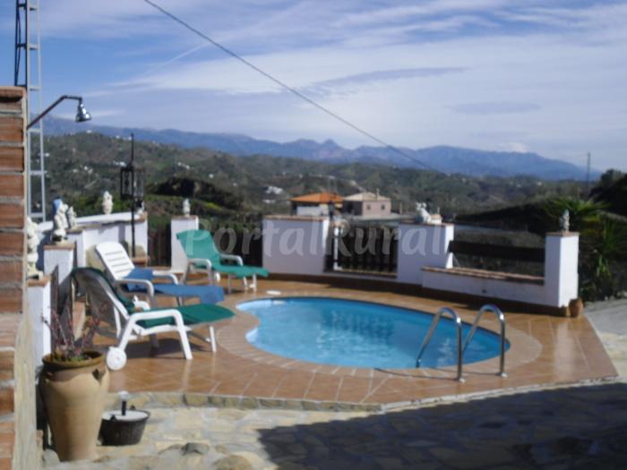 Cortijo el maurel casa rural en v lez m laga - Casa rural trinidad en velez malaga ...