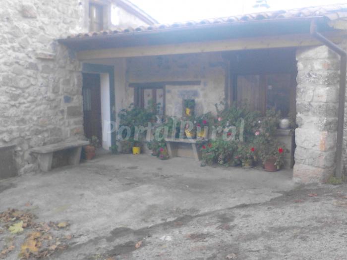 Casa la cuesta casa rural en puente viesgo cantabria - Casa rural puente viesgo ...
