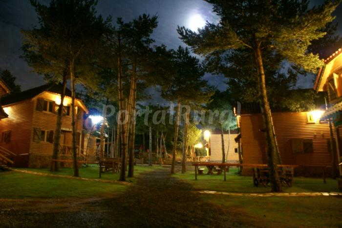 Casas de madera casa rural en prades tarragona - Casa rural de madera ...