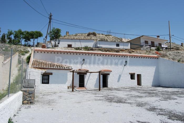 Cueva el haro casa cueva en baza granada - Casa rural haro ...