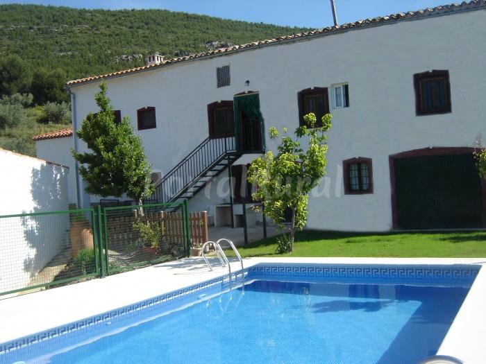 Casa rural el cortijo alojamiento rural en yeste - Casa rural yeste ...