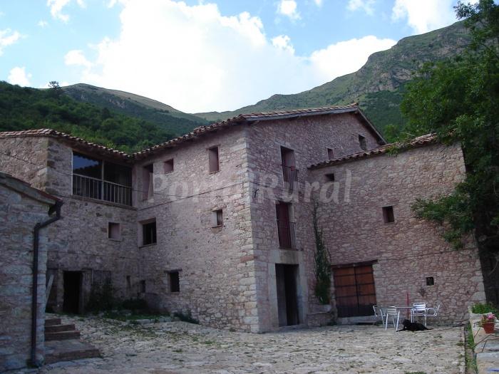 Casa rural mas mitjavila apartamento rural en ogassa - Mas trobat casa rural ...