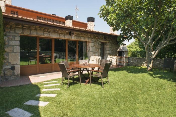 Casa rural legaire etxea casa rural en asparrena - Casas rurales pais vasco alquiler integro ...