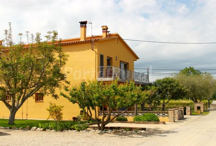 Can teixidor de navata turismo rural en navata - Can caponet casa rural ...