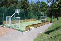Campo de básquet y fútbol